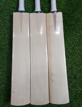 Plain Pro Grade -1 English Willow Cricket Bat Men's